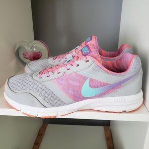 Nike Shoes - nike air relentless 4 25bd79f6eeb0